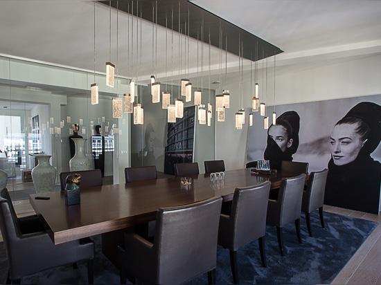 Ha annunciato le soluzioni di illuminazione per parecchie aree di un businessloft a Berlino, Germania