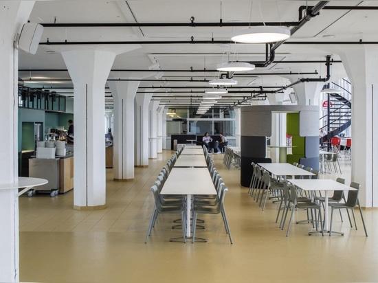 Wilkhahn Chassi e Aline Table a Van Nelle Factory