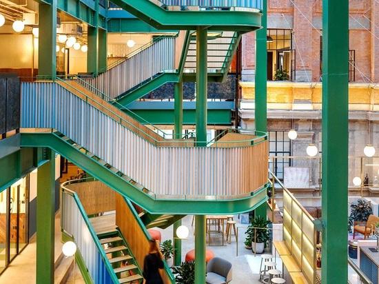 Linehouse porta il colore ed il divertimento agli uffici di WeWork a Shanghai, Cina