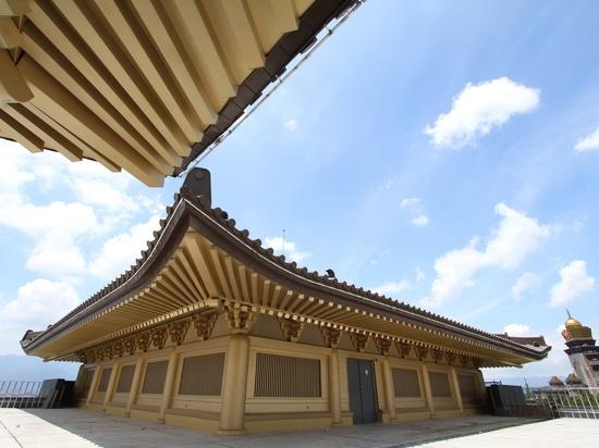 marrone ed oro di Rainbow® del elZinc per il tetto ed il rivestimento del museo del monastero.