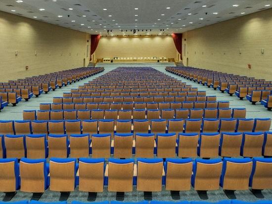 Quinette Gallay fornisce l'auditorium del Ministero di Habous e degli affari islamici.