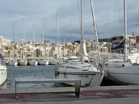 Benchs urbani nel porto