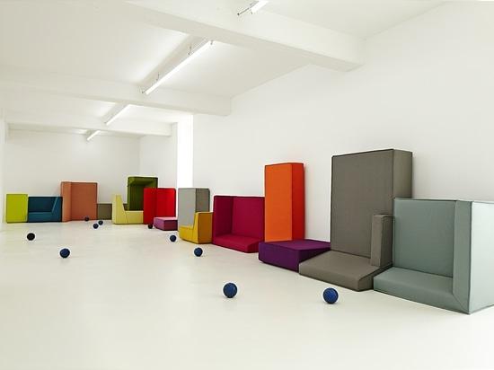 Varietà di sofà del cubito