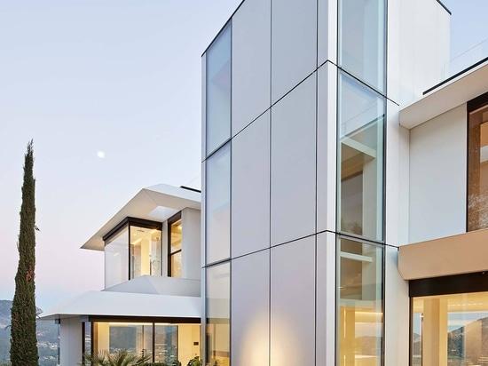 Gras Arquitectos si affida a KRION e Butech nella facciata di Where Eagles Dare