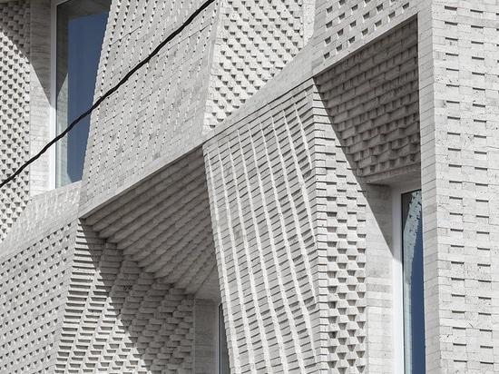 la costruzione del travertino nel mahallat, Iran, è decorata dai modelli del mattone, dallo studio del caat