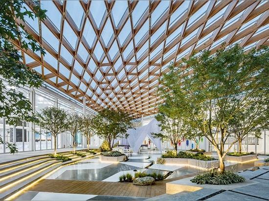 l'Archi-unione costruisce una sede di 8.885 sqm in 100 giorni facendo uso di costruzione prefabbricata e di 3D-printing