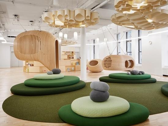 La prima scuola di WeGrow a New York è riempita di spazi isolati