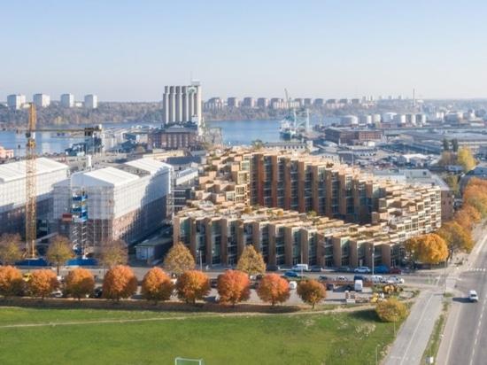 I grandi appartamenti drammatici «del pendio di collina si aprono
