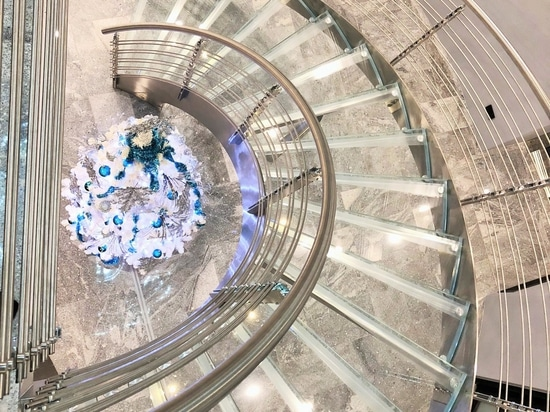 Helika Lux Staircase