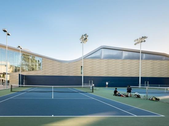 Kevin Daly Architects sviluppa il complesso increspato per le squadre di pallacanestro del UCLA