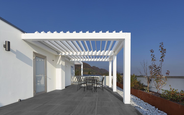 Gazebo Con Lamelle Orientabili pergola addossata - frangisole - proverbio outdoor design