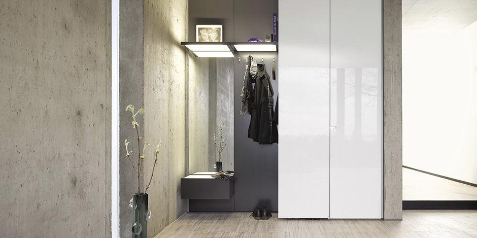 Armadio Guardaroba Per Ingresso.Mobile Da Ingresso Moderno Collect Interlubke A Muro In Legno