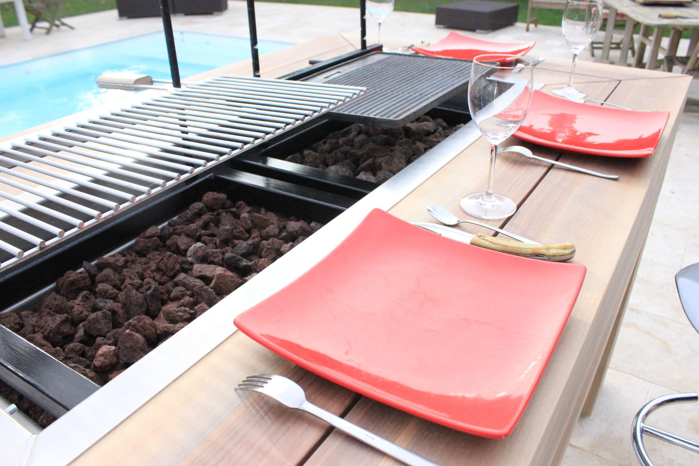 Tavolo Da Giardino Con Barbecue.Tavolo Moderno In Legno Rettangolare Da Giardino Kub