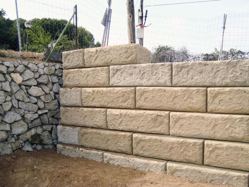 Blocchi Per Muri Di Contenimento.Blocco Di Calcestruzzo Pieno Per Muro Di Contenimento