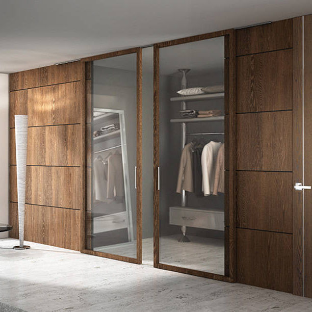 Cabina armadio moderna / in quercia / in vetro / con porta ...