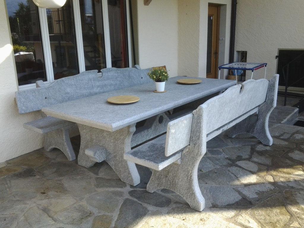 Tavoli In Pietra Prezzi.Tavolo Classico In Pietra Naturale Rettangolare Da Esterno