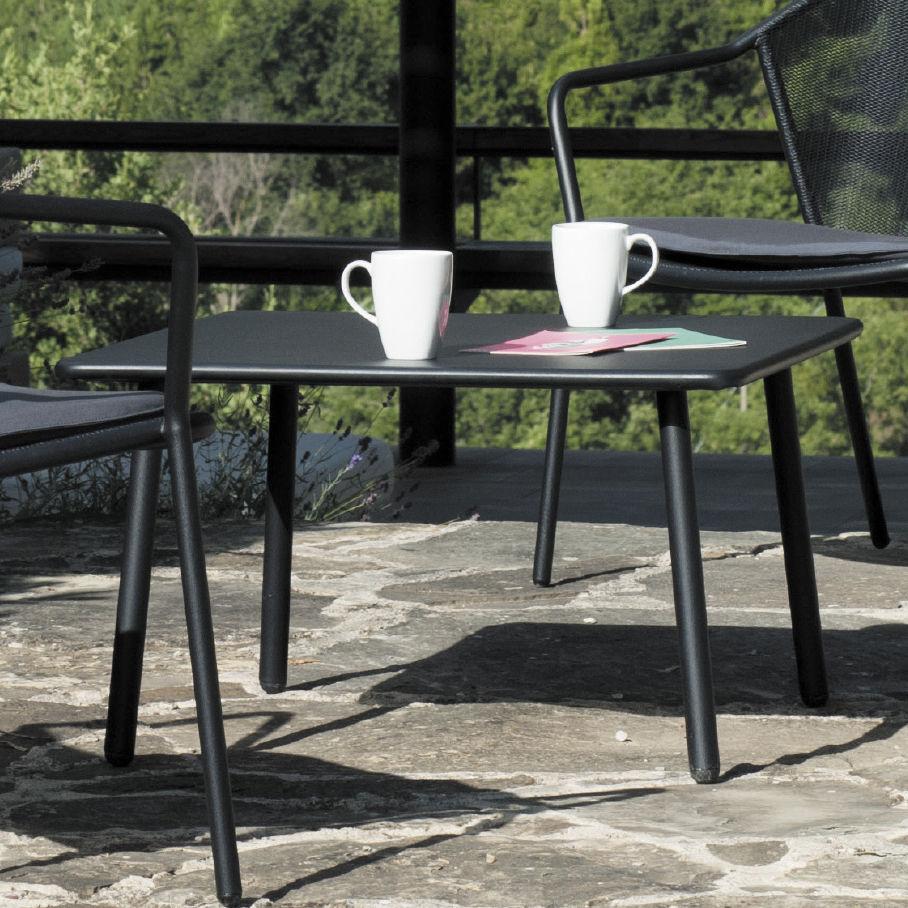 Tavolino Basso Moderno Darwin Emu In Acciaio Con Supporto In Metallo Quadrato