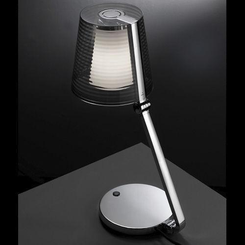 Lampada da tavolo EMY Leds C4 moderna in alluminio