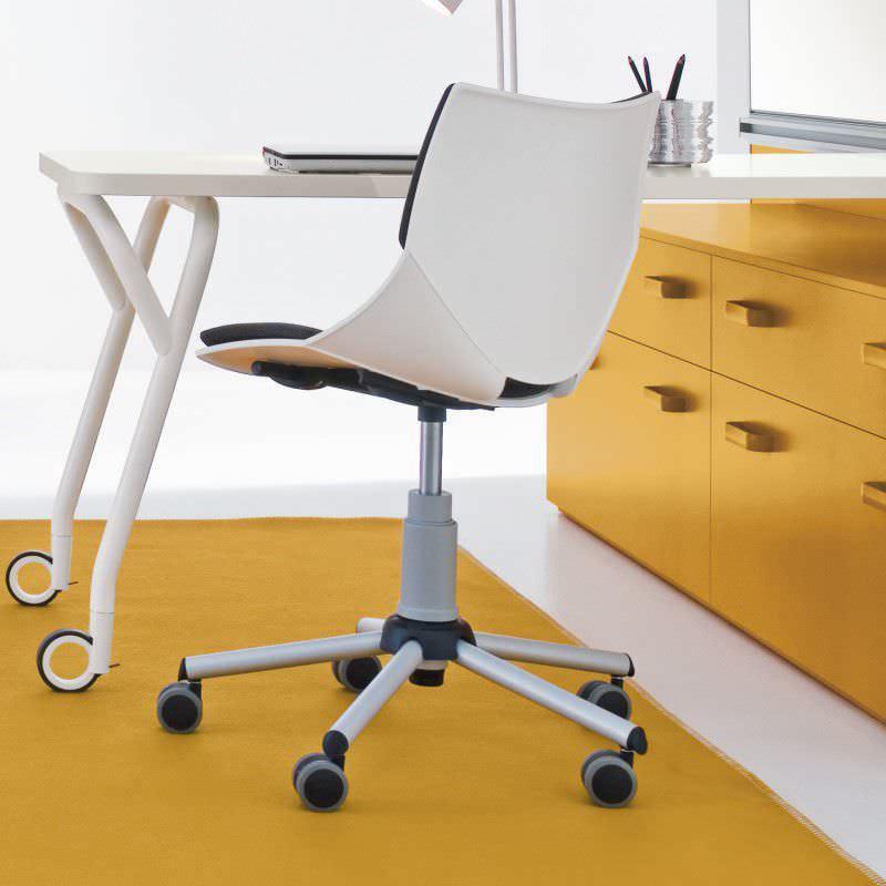 Ruote Per Sedia Da Ufficio.Sedia Da Ufficio Moderna Coral Soft Clever Per Bambini Con