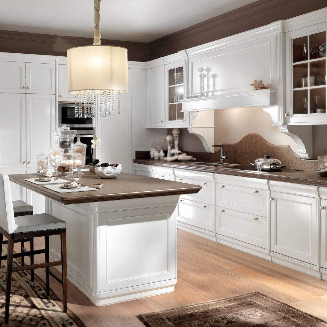 Cucina classica / in legno laccato / con isola - PETRA ...