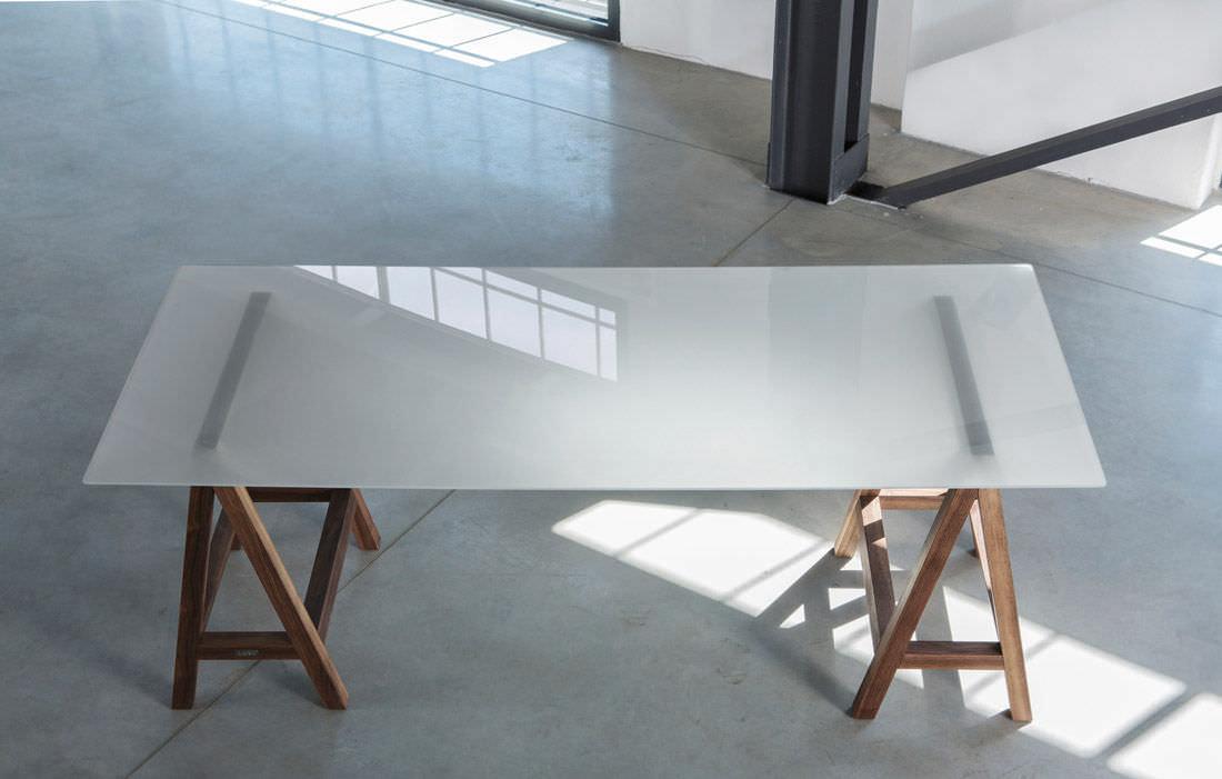 Supporto Per Tavolo In Vetro.Tavolo Moderno In Vetro Con Supporto In Noce