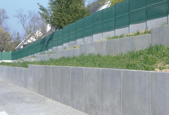 Recinzioni Per Giardino In Cemento.Muro Di Contenimento In Cemento Armato Prefabbricato