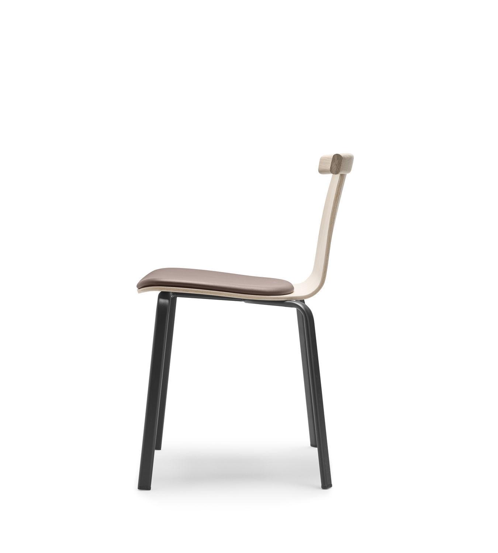 Sedia moderna ATAL Alki con braccioli impilabile