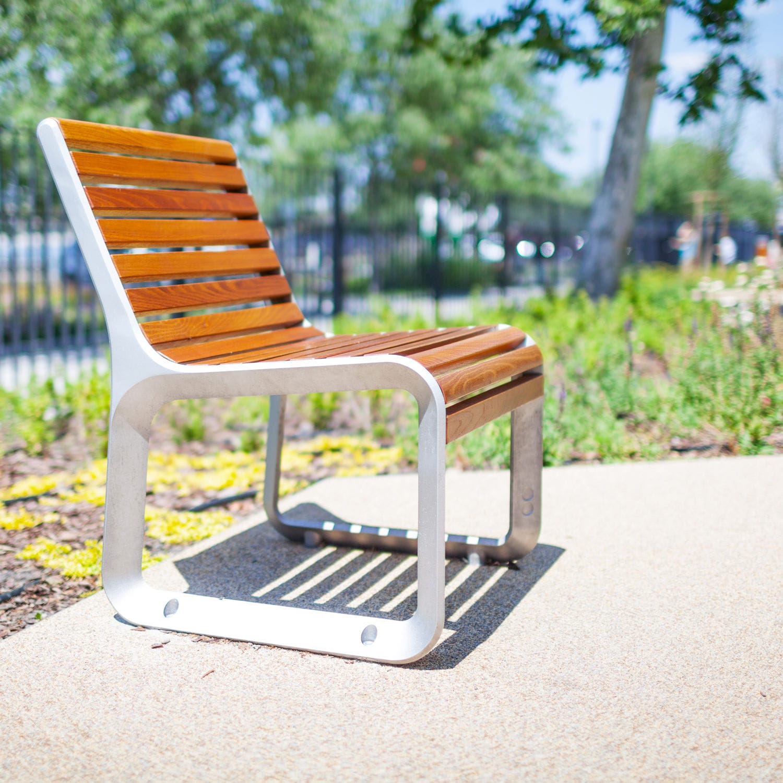 Sedia moderna / con braccioli / ergonomica / in legno ...