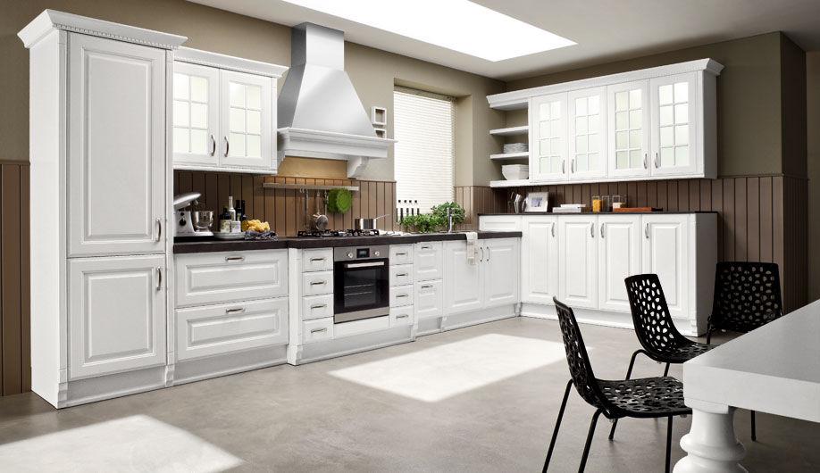 Cucina moderna / in laminato / laccata / con impugnature ...
