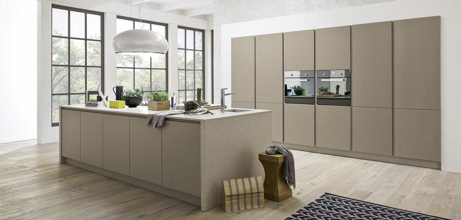 Cucina moderna / impiallacciata in legno / con isola / senza ...