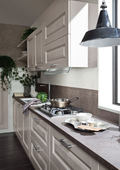 Cucina classica / in legno / con impugnature - OLIMPIA ...