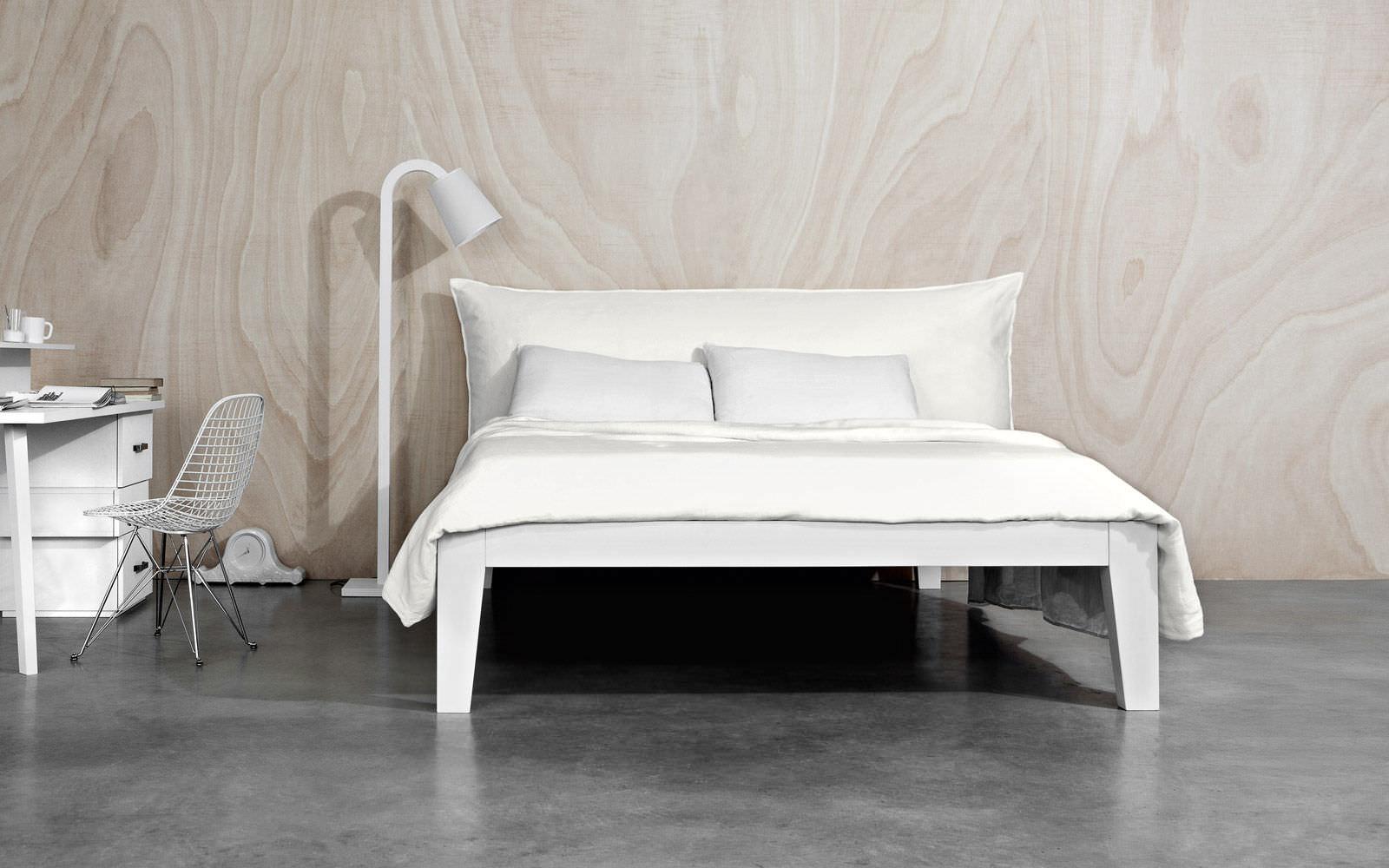 Letto Moderno Bianco.Soft Letto Matrimoniale Moderno In Legno Laccato In Noce By Letti Co Archiexpo