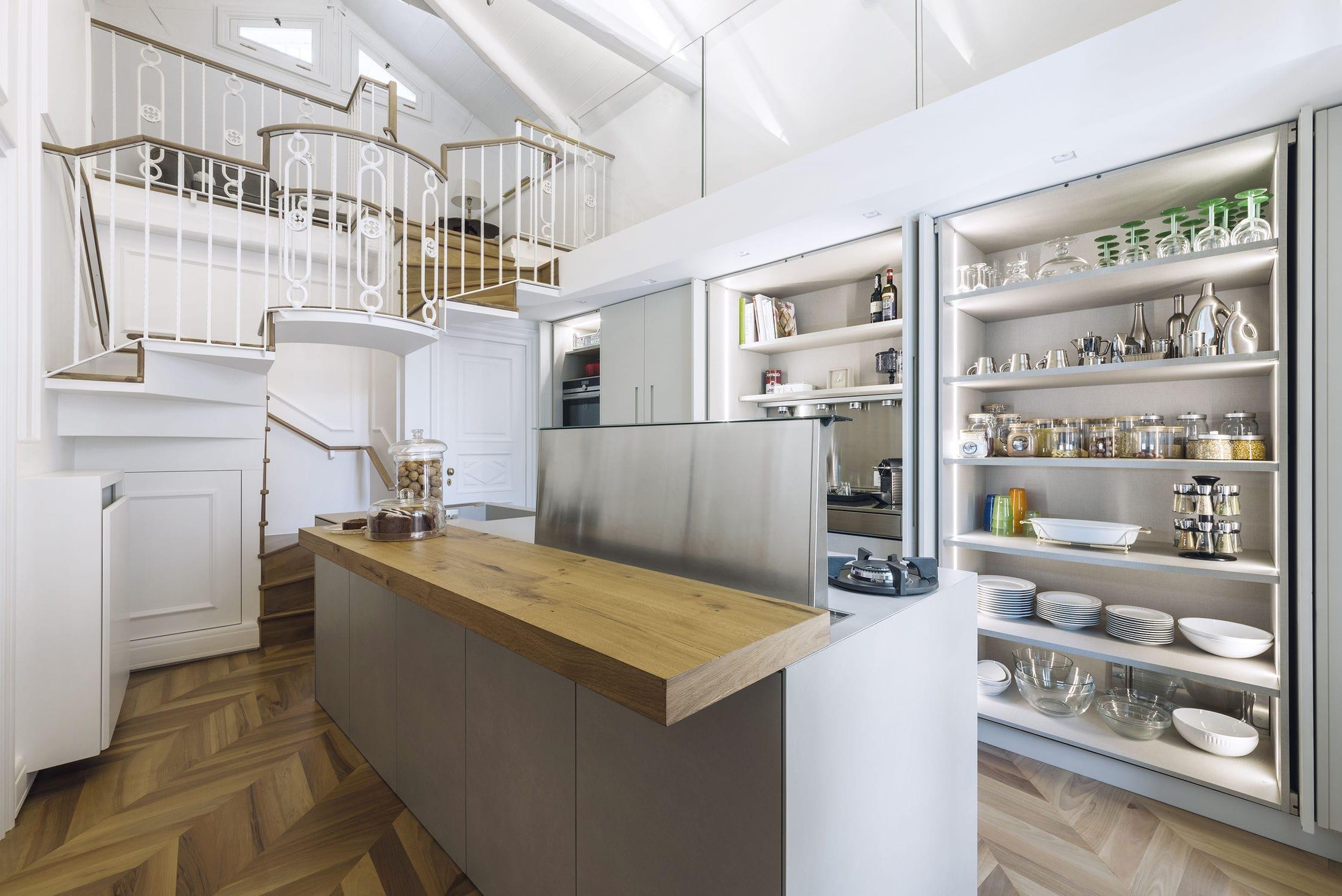 Gres Porcellanato Cucina Moderna.Cucina Moderna In Legno Laccato In Gres Porcellanato