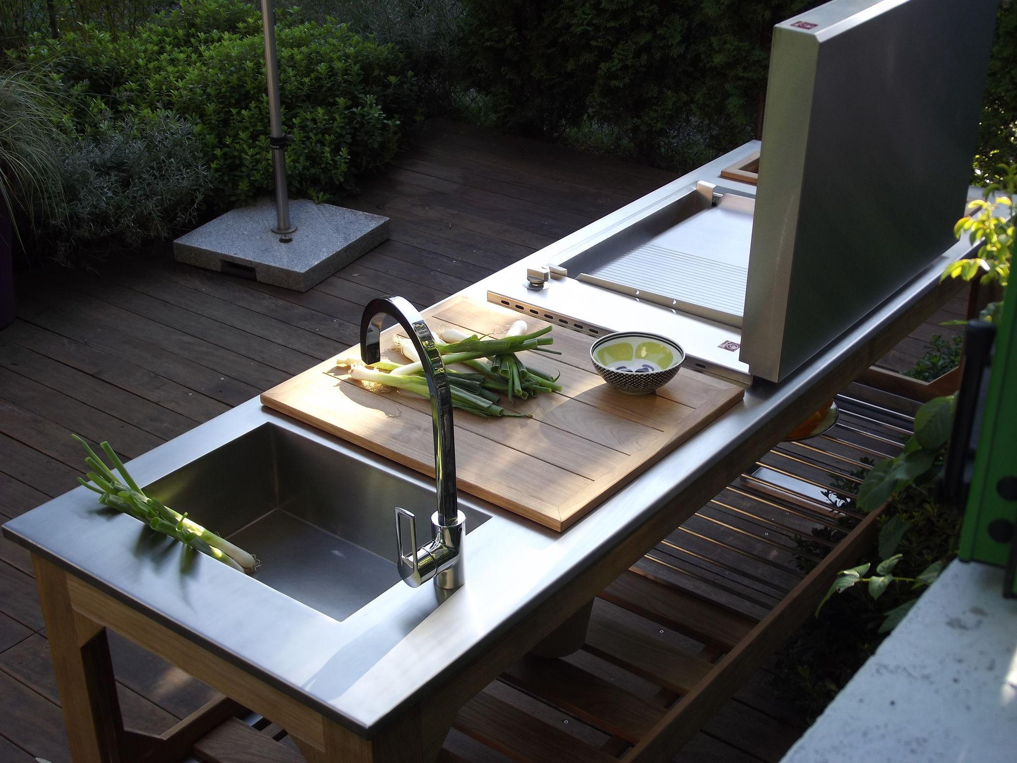 Cucina da giardino / moderna / in acciaio / in acciaio inox ...