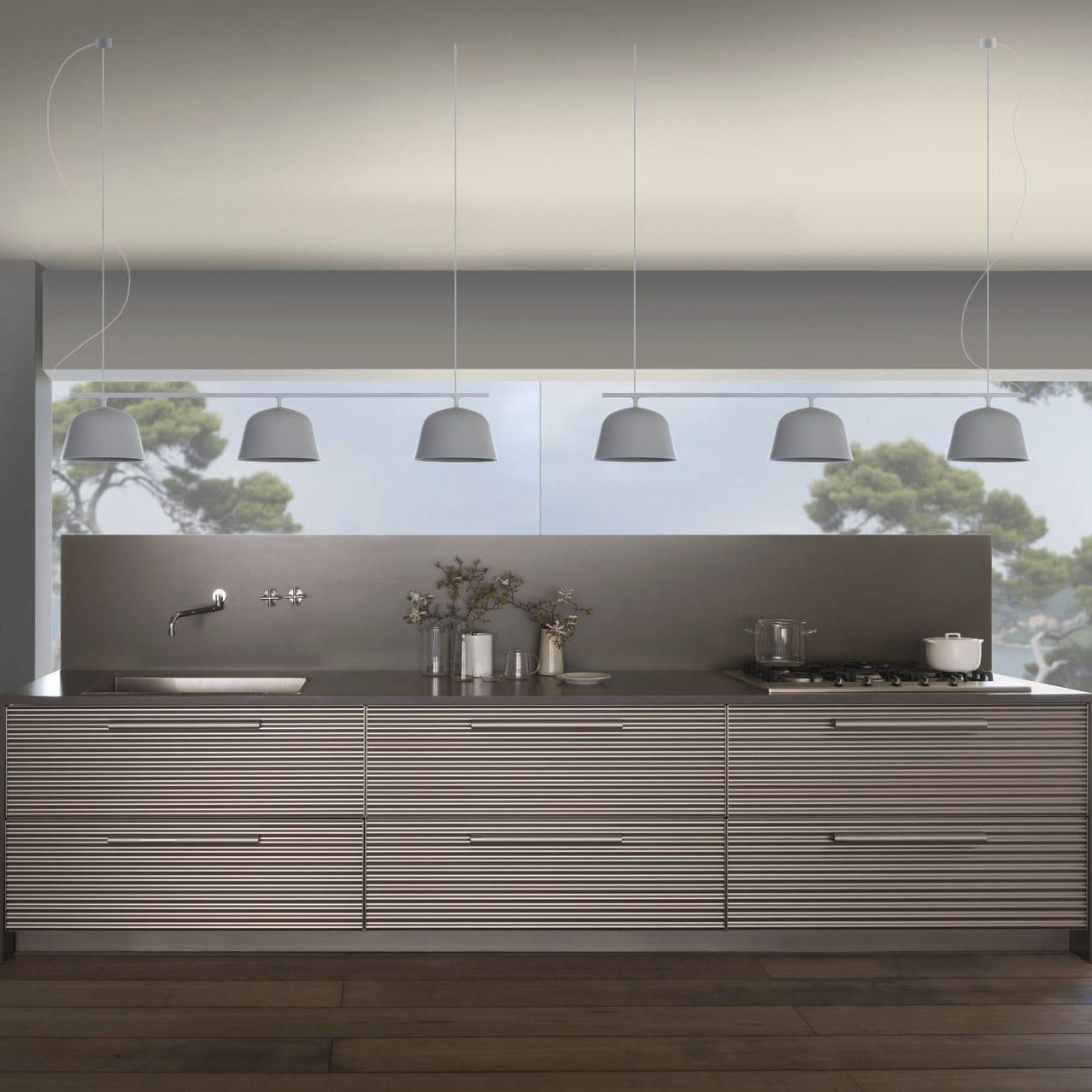 Cucina moderna / in alluminio / con isola / di Vico Magistretti ...