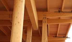 pilastro in legno