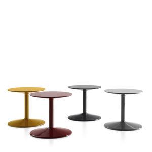 tavolo d'appoggio moderno / in poliuretano / tondo / di Piero Lissoni