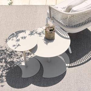 tavolo d'appoggio moderno / in alluminio laccato / con supporto in alluminio laccato / tondo