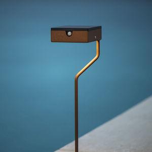 lampada da terra / design / in acciaio laccato / in acciaio