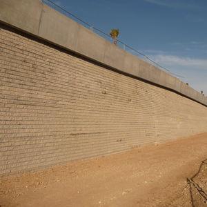 blocco di calcestruzzo pieno / per muro di contenimento / per recinzione / per parete
