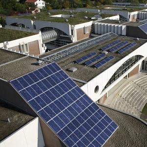 facciata continua in pannelli fotovoltaici