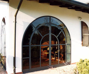 vetrata battente / in ferro modellato