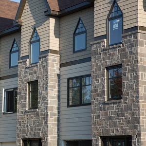 paramento in mattoni in calcestruzzo ad alte prestazioni / da esterno / aspetto pietra / decorativo