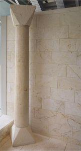 colonna in pietra naturale / in legno massiccio / prefabbricata