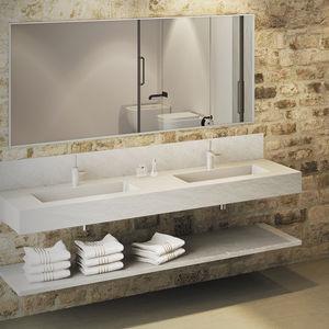 piano lavabo doppio / in resina / su misura / con portasalviette integrato