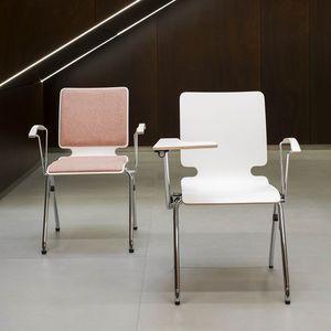sedia visitatore moderna / con tavoletta / impilabile / con braccioli