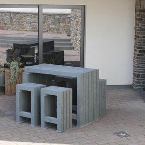 tavolo alto in stile