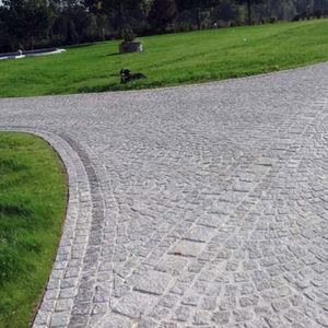 pavimentazione in granito / antiscivolo / per pedoni / carrabile