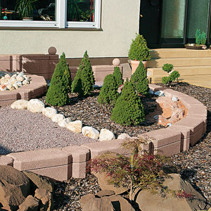 bordura da giardino / in calcestruzzo / altre forme