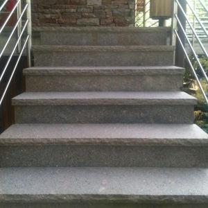 rivestimento per scalino in pietra